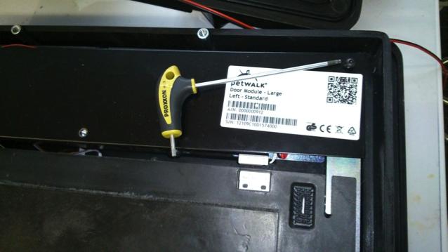 petWALK-retrofit_alarm_cable-1